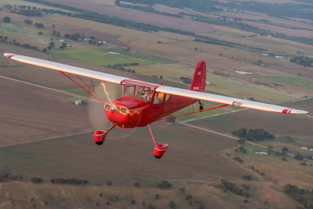 Cessna140InFlight