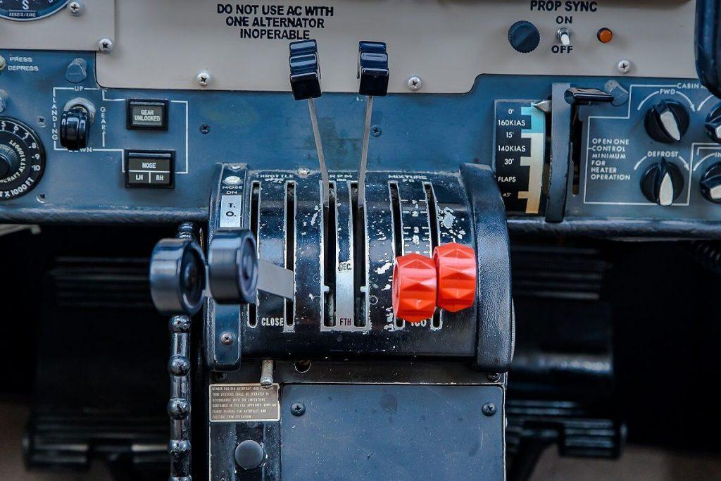 Cessna340_controls