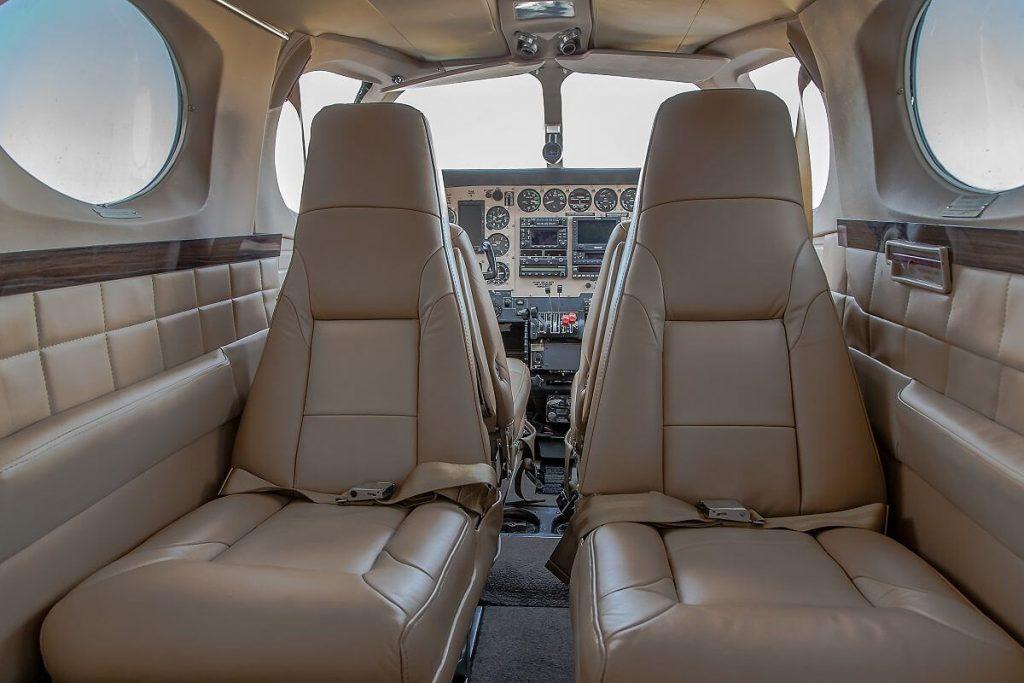 Cessna340_passengerarea